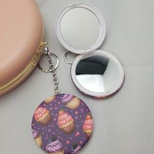Accessories - Cupcake keychain mirror